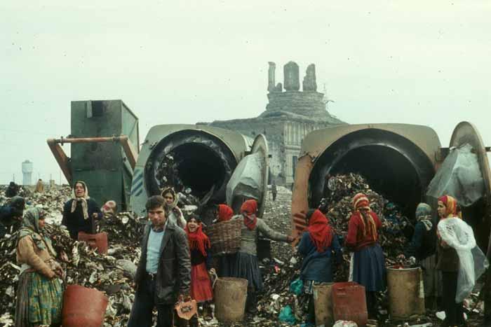 Slides - Garbage Pit 03 -