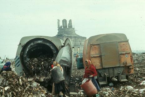 Ion Dumitriu - Gallery - Slides - Garbage Pit 05
