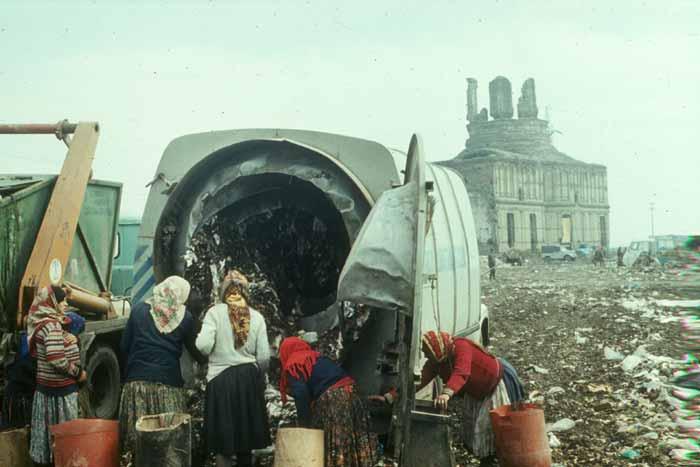 Slides - Garbage Pit 06 -