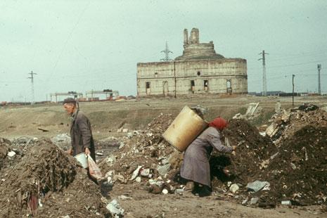 Ion Dumitriu - Gallery - Slides - Garbage Pit 13