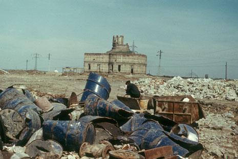 Ion Dumitriu - Galerie - Diapozitive - Groapa de gunoi 14